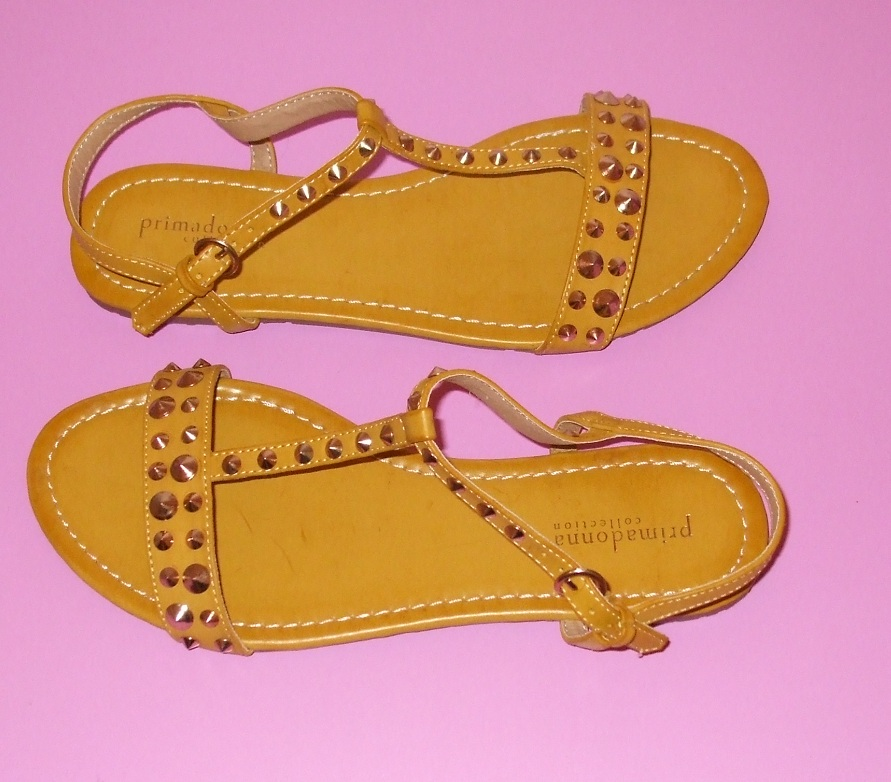 sandali gialli