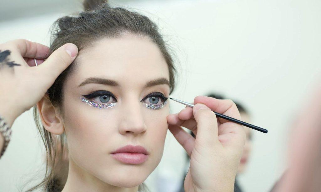 makeup copertina